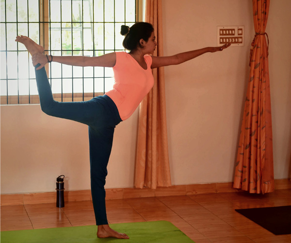 Move A Step Closer To Balancing Your Mind Is By Practicing Natarajasana Or Dancing Shiva Pose - Global Fashion Street