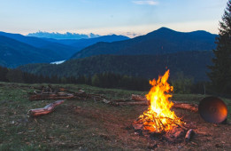5 Essential Camping Dos and Don'ts in Australia